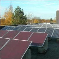 Solaranlage auf dem Dach unserer Schule