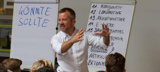 Markus Hofmann hilft Schülern sich richtig erinnern zu können