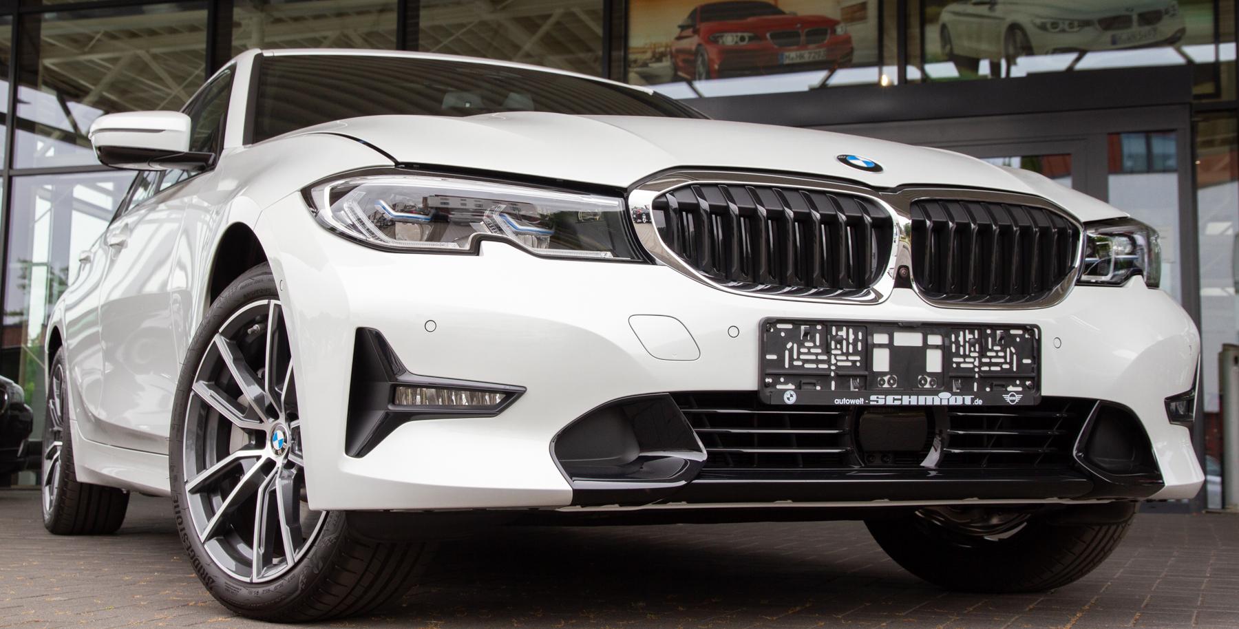 Vollausgestatteter BMW 330e übergeben